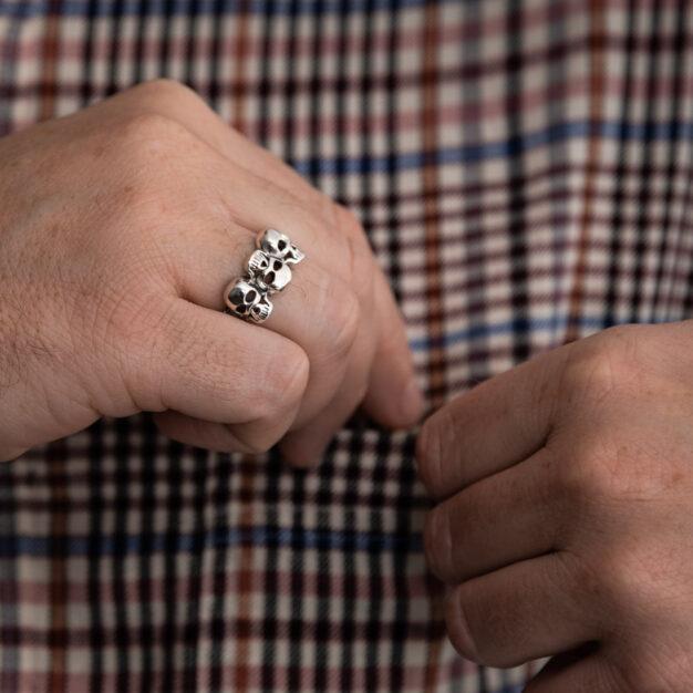 Megberry Mens Upside Down Skull Ring